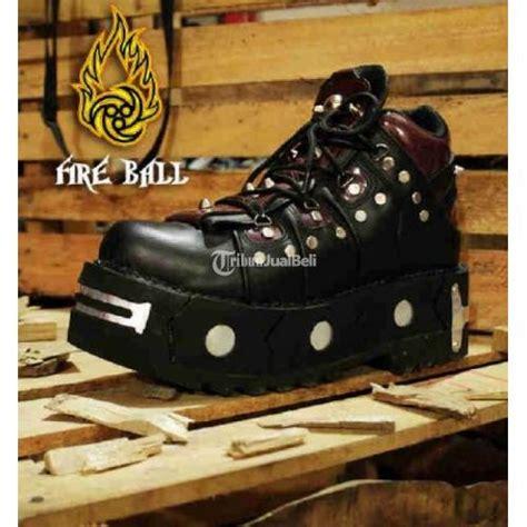 Sepatu Boot New Rock sepatu musik rock size 39 44 new bnwt bandung dijual