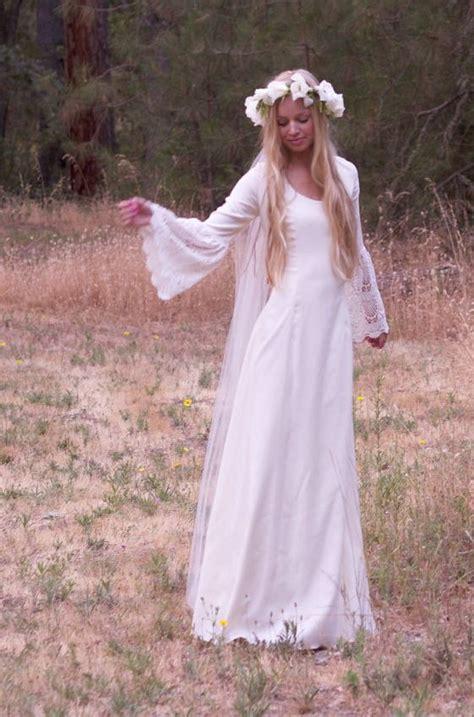 Brautkleider 70er Stil by Je R 234 Ve D Un Mariage Hippie Le Look Mode Nuptiale