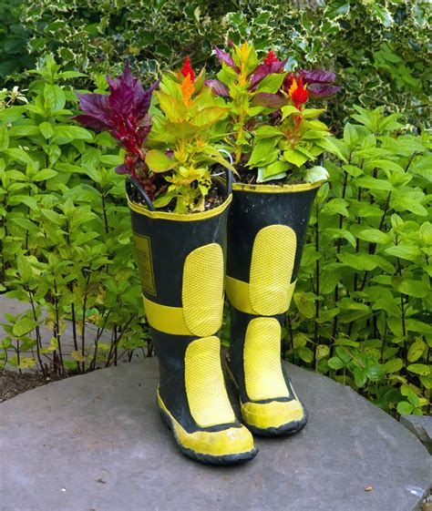 Boot Planters by Boot Planters Diy Guide And 15 Ideas Gallery