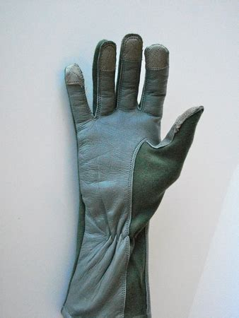 how to make capacitive gloves touchlink capacitive flight glove