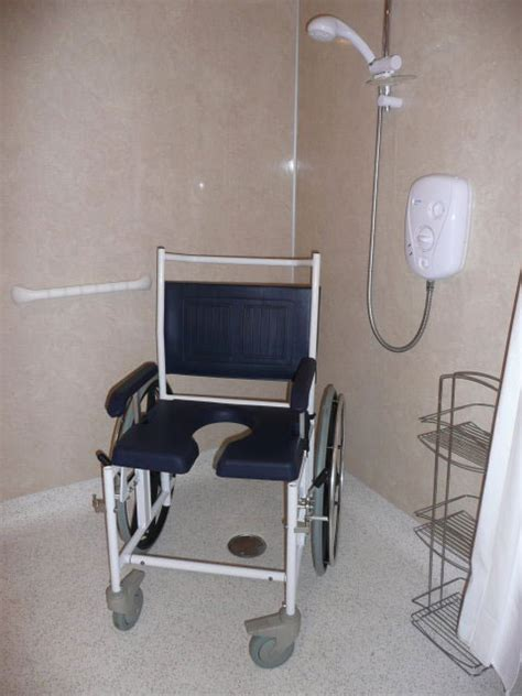 bathroom wheelchair equipment hire disabled accessible holiday accomodation