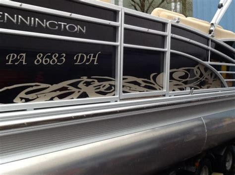 bennington pontoon boat graphics boat show graphics designs at lighthouse harbor marina