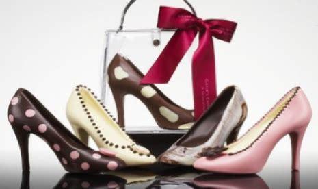 Sepatu Ortopedi waspadai pengaruh jangka panjang sepatu hak tinggi