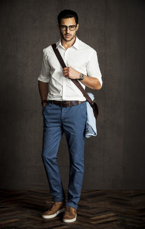 7 must chinos and shirt colors for 7 different looks