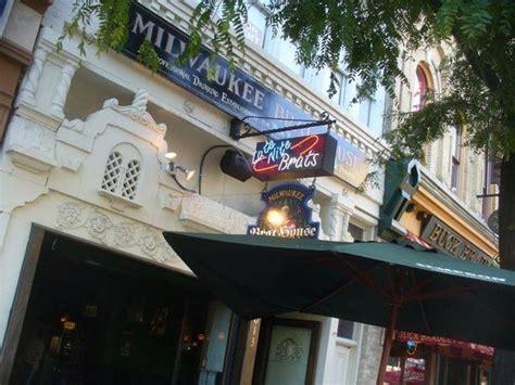 milwaukee brat house popular restaurants in milwaukee tripadvisor