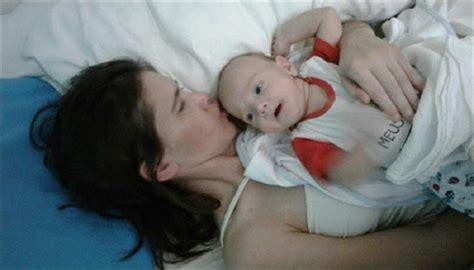 Wanita Hamil 23 Bulan Ternyata Bayinya Ajaib Wanita Melahirkan Saat Koma Setelah 4 Bulan Baru