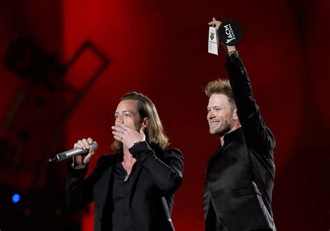 country music 2015 list acm awards 2015 list of winners cbs news