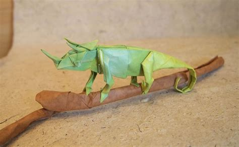 Origami Chameleon - iguana fold these 28 awesome origami lizards
