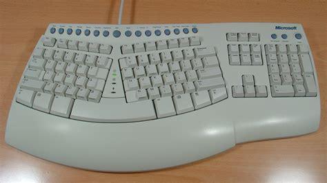 microsoft comfort curve keyboard 5000 every single microsoft device ever gizmodo australia