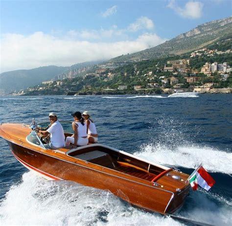 motoryacht riva motorboot legende eine riva muss man mit allen sinnen