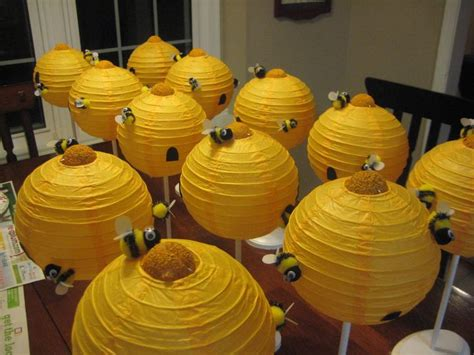 Bee Decorations by 25 Best Ideas About Bee Decorations On Recycled Crafts Beehive And Bee
