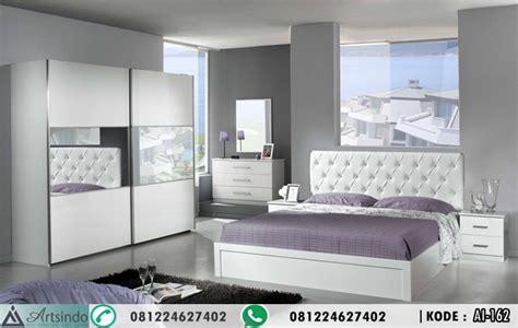 set kamar tidur minimalis warna putih  lemari pintu sliding arts indo furniture jepara