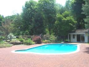 swimming pools file private swimming pool jpg