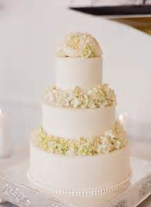wedding cake all white wedding cakes the magazine