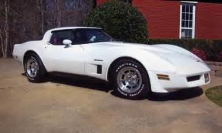 white 1982 chevrolet corvette coupe aucton results 22 500