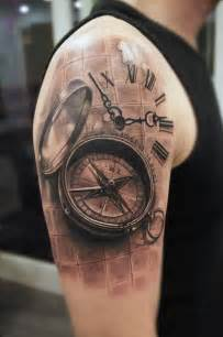 Tatua rami realistyczny kompas przez mumia tattoo