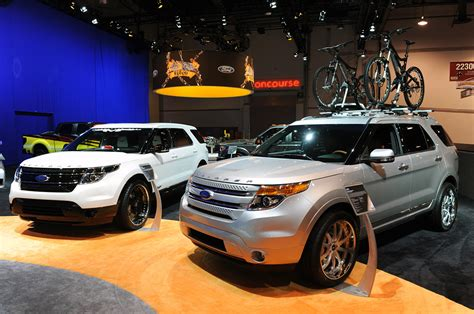 land rover explorer range rover evoque vs ford explorer