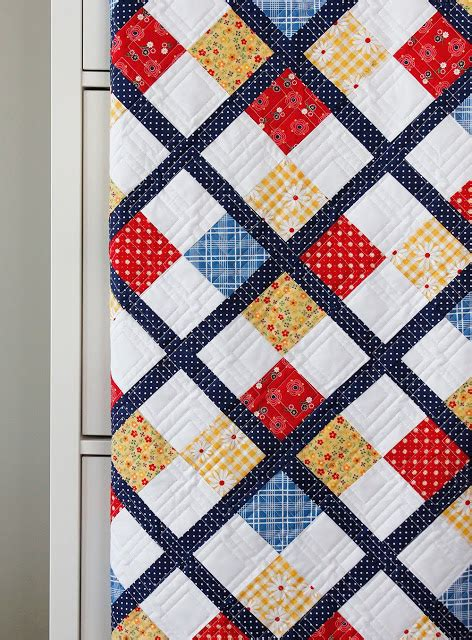 quilt pattern using fat quarters a bright corner five fat quarter fun preppy quilt pattern