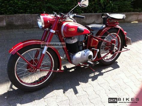 Triumph Motorrad 1950 by 1950 Triumph Bdg250s