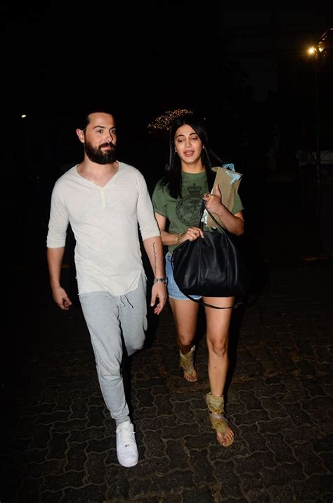 Or With Boyfriend Photos Shruti Hassan With Boyfriend Spotted At Hunters Bandra Pictures Images 839597