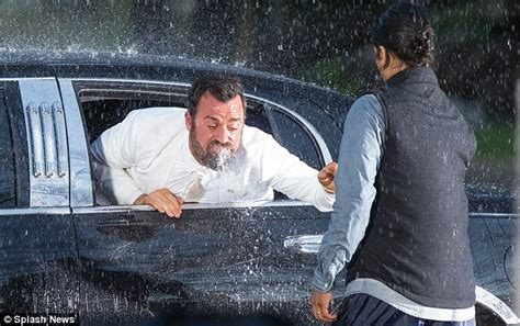 throwing up water after justin theroux spotted throwing up water for the leftovers