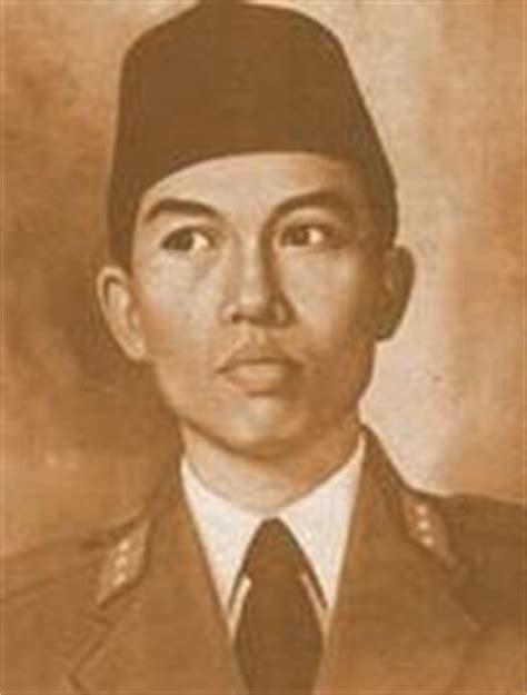 biodata pahlawan imam bonjol bahasa inggris contoh biografi jenderal sudirman dalam bahasa inggris