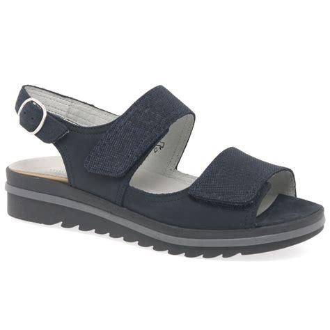 Sandal Wanita Trendy Garsel L 360 waldlaufer lugina womens casual sandals charles clinkard