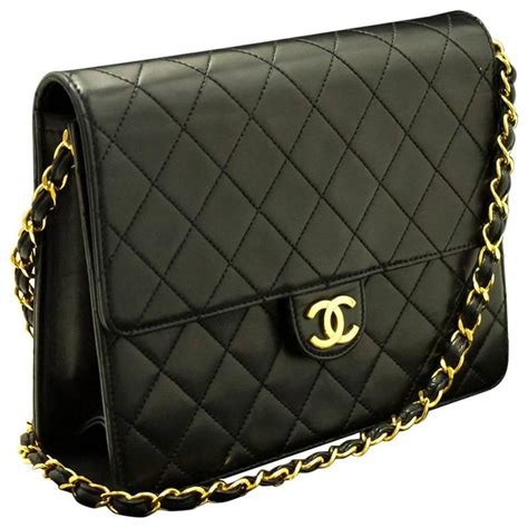 chanel chain shoulder bag clutch black quilted flap