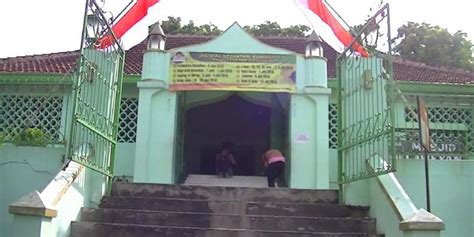 masjid laweyan  solo saksi peninggalan hindu islam