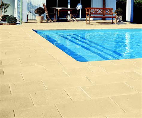 pavimenti per piscina bordi e pavimentazione per piscina in pietra ricostruita