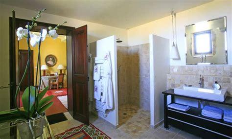 yellow bathroom suite bed and breakfast domaine de marsault in uz 232 s avignon et
