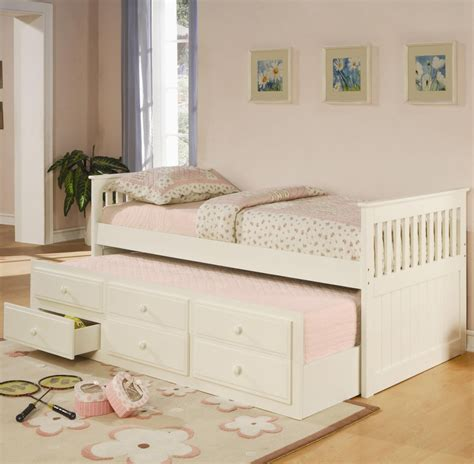 White Bed With Trundle by White Trundle Bed Day Beds Seat N Sleep