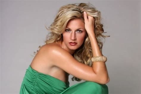 hot female tv personalities top 10 hottest female sportscasters sexy women sports