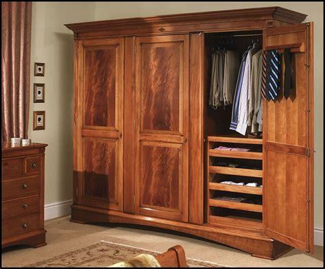 Wooden Closets With Doors Countertops Wooden Wardrobe Closets Wooden Wardrobe Closets Large 3 Door Gnews
