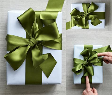 how to wrap a gift with ribbon 25 ways to tie a bow best pins on