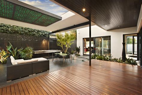 Relaxing Outdoor Space Of A House On Balaclava Road | relaxing outdoor space of a house on balaclava road
