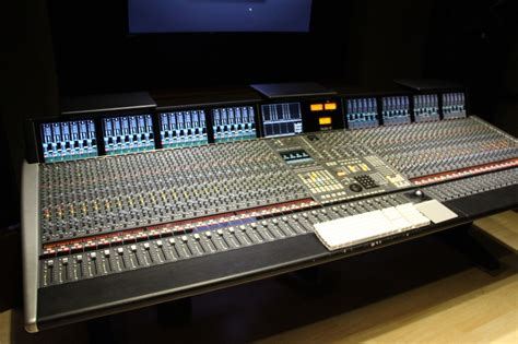 recording mixing console solid state logic duality 48 channel mixing console ssl