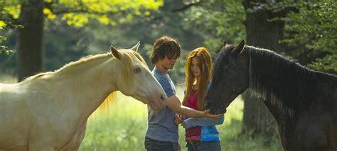 Filme Die Unbedingt Gesehen Haben Muss by 10 Pferdefilme Und Serien Die Unbedingt Gesehen