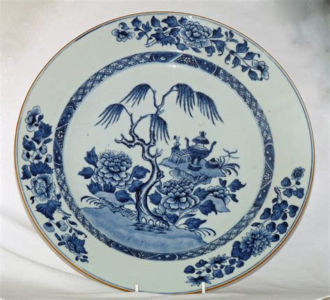 blue and white china l 18th century blue and white chinese porcelain charger by