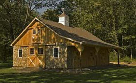 Pictures Of Small Horse Barns Small Horse Barn With Overhang Loft And Stonework Horse