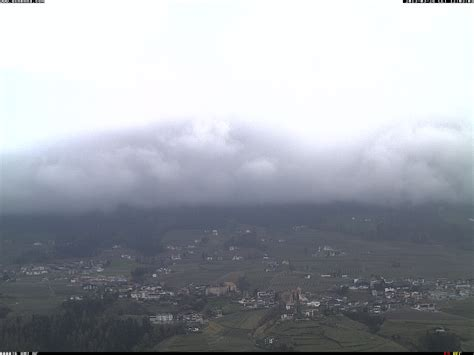 merano 2000 web meran 2000 webcams see current snow conditions tuesday