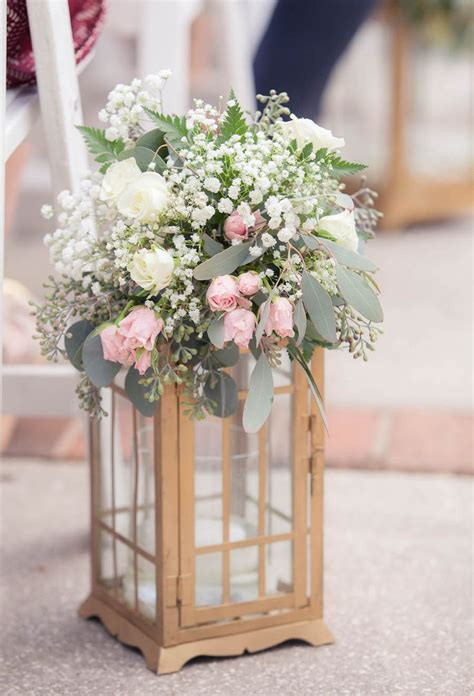 Flower Ideas Gold Wedding by 25 Best Ideas About Wedding Lanterns On