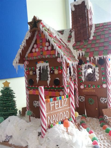 christmas on pinterest gingerbread houses garlands and gingerbread house jpg 768 215 1 024 pixels gingerbread