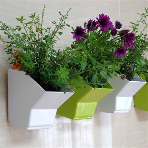 Hiasan Dinding Minimalis Bunga Abstrak Hijau 1 hiasan dinding tanaman pot bunga planter taman bunga pot keranjang hijau putih dan hijau plastik