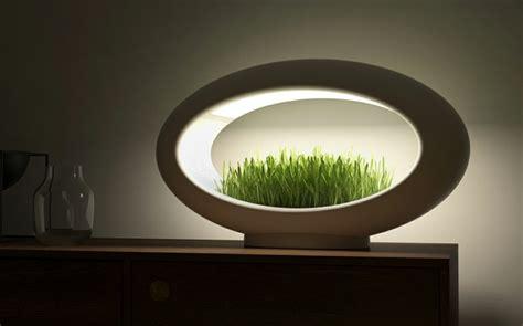 Lampe design LED avec mini jardin intégré
