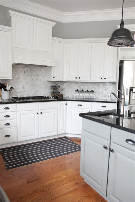 hexagon tile kitchen backsplash 25 best ideas about black counters on black