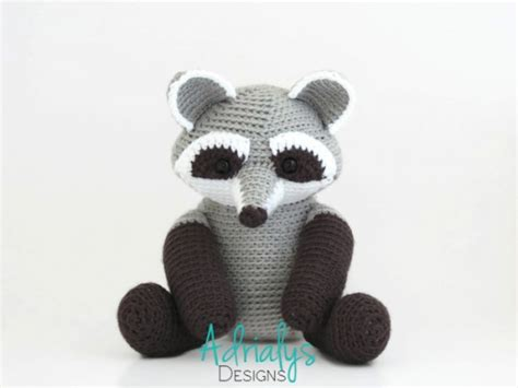 amigurumi raccoon pattern free riley the raccoon amigurumi pattern amigurumipatterns net