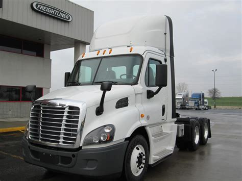 Freightliner Cascadia Interior Accessories by 2015 Freightliner Cascadia Day Cab Interior Accessories