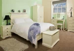 white shaker style bedroom shaker style bedroom furniture