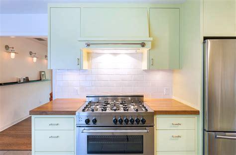 langkah tepat mengecat ulang kabinet dapur rumah